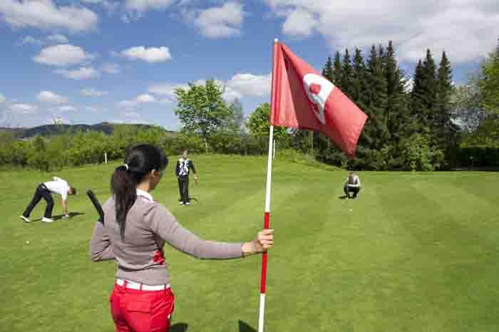 Golfmarathon auf dem Panorama-Golfplatz in Schmallenberg - Winkhausen im Sauerland. Foto: www.schmallenberger-sauerland.de